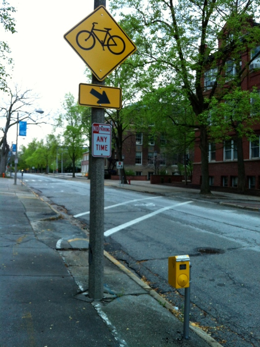 As the path jogs south on Matthews Avenue, the signage is a little better.